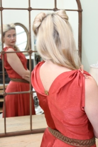 Red dress, Grace Kelly, back view