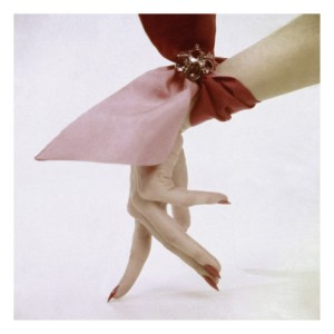Glamour 1951, red nails and pink