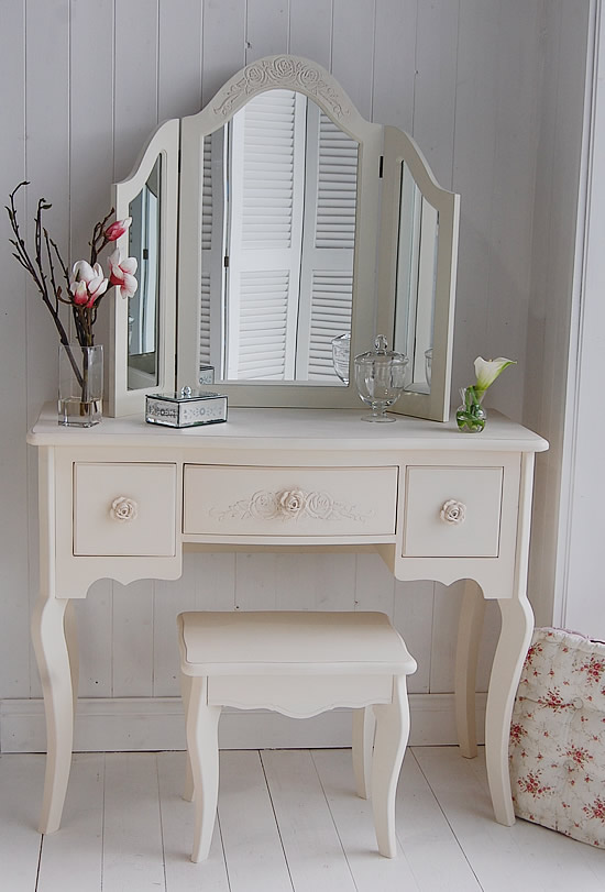 Rustic cool get the look i get a kick out of you for Beauty parlour dressing table images