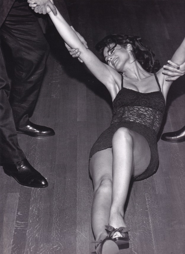 Monica Bellucci, Dolce & Gabbana, on the floor, Stephen Meisel