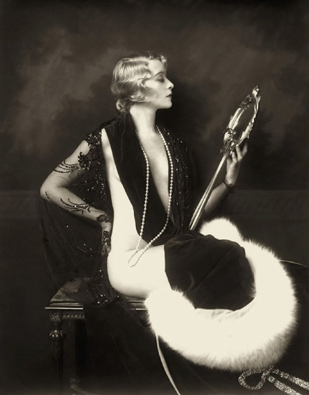 Ziegfield Follies, The Retronaut