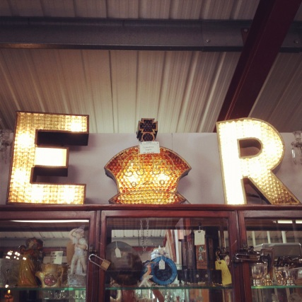 Illuminated jubilee E R letter lights
