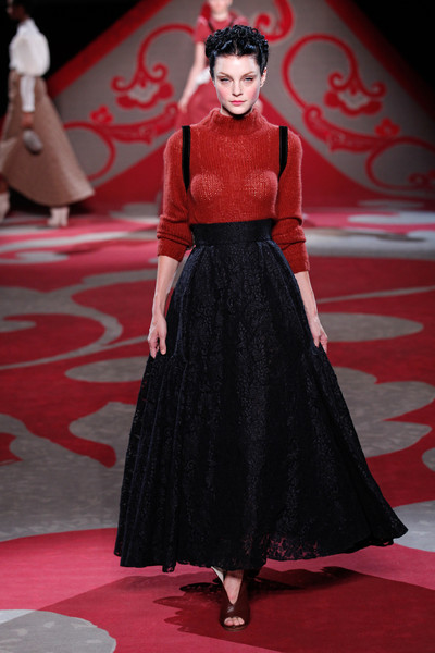 Ulyana Sergeenko, Fall 2012, black full skirt, mohair jumper and satchel