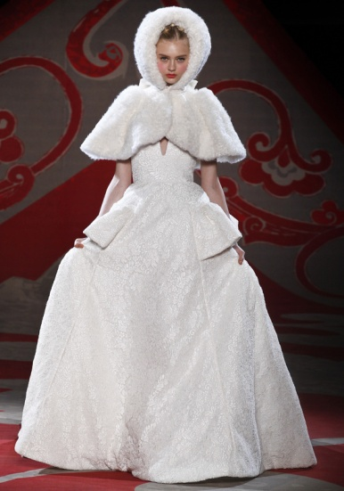 Ulyana Sergeenko, Fall 2012, white fur