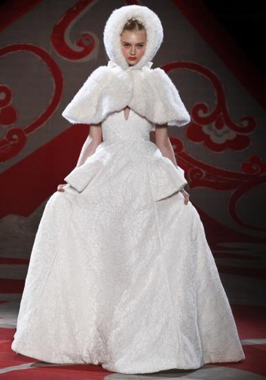 Ulyana Sergeenko, Fall 2012, white fur