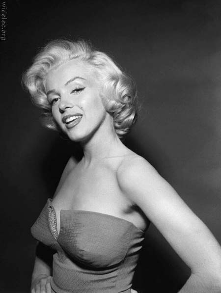 Marilyn Monroe, glamours, strapless dress