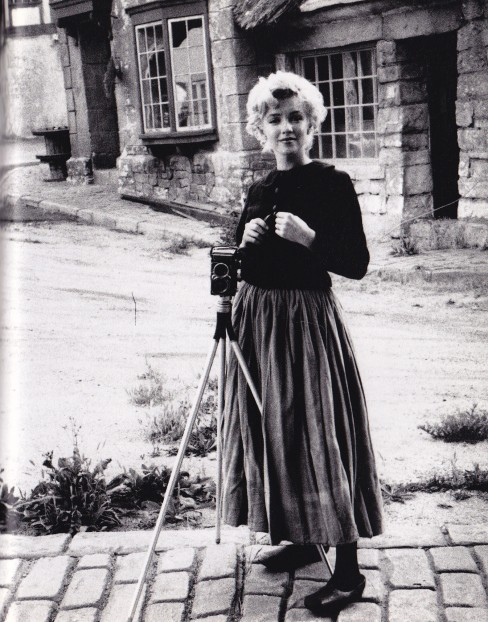 Marilyn Monroe, peasant outfit, Milton Greene