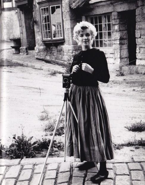 Marilyn Monroe, peasant outfit, Milton Greene