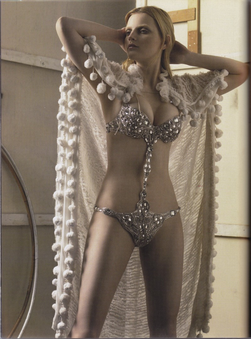 Showgirls, Vogue 2006 , Corset Couture, Craig McDean