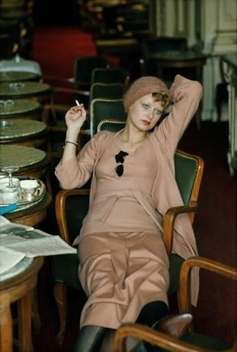 Vintage pink 1940s style