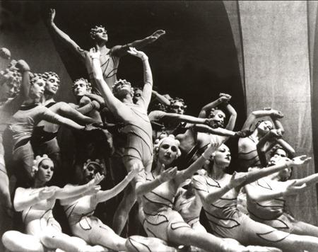 Rouge et Noir, Diaghliev's Ballet Russes, Diana Vreeland 1939