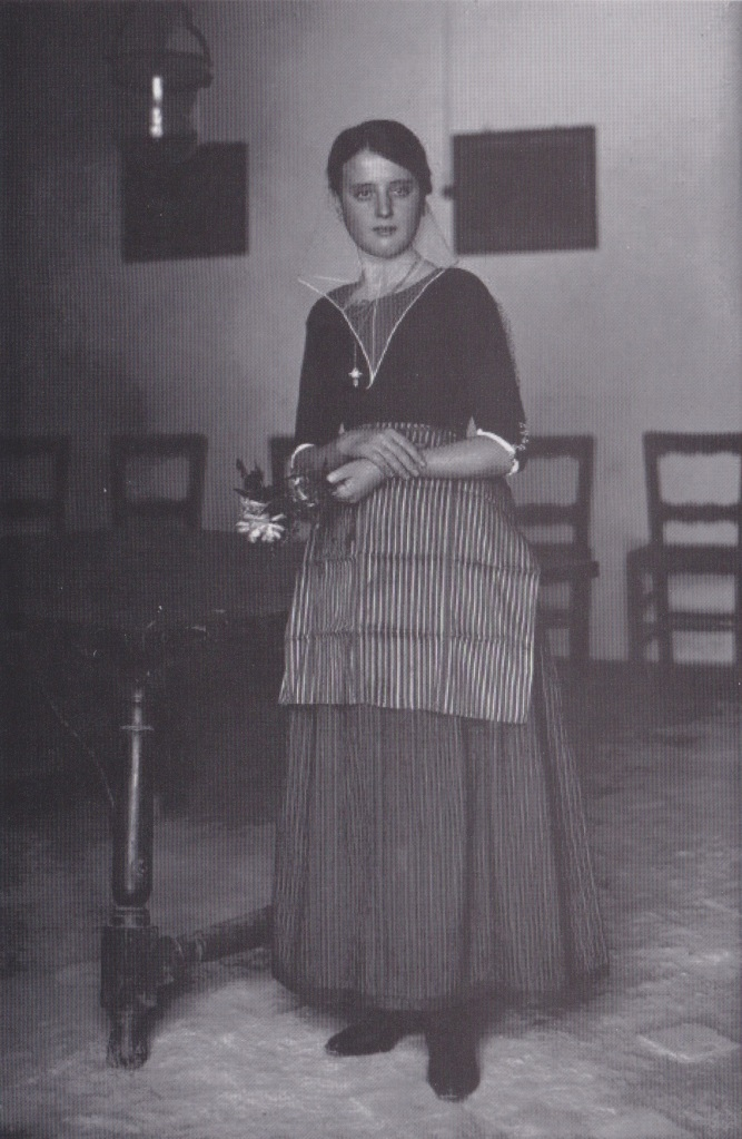 Dona vestida de Pagesa, Mallorca 1912