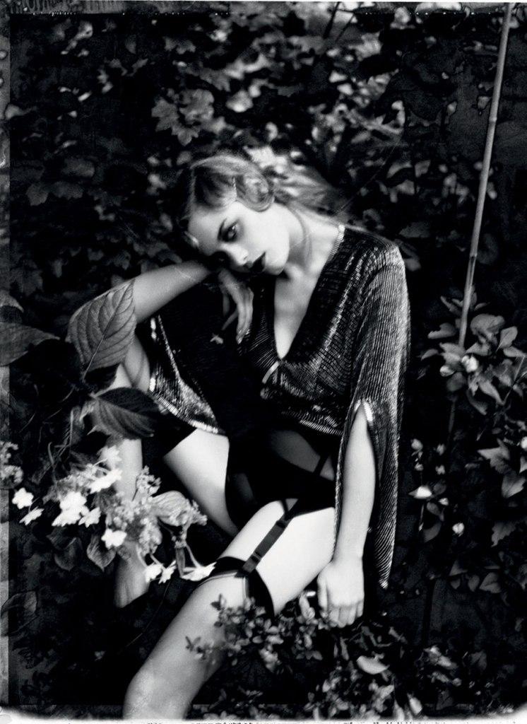Ellen Von Unwerth, Grey Magazine, Camille Rowe
