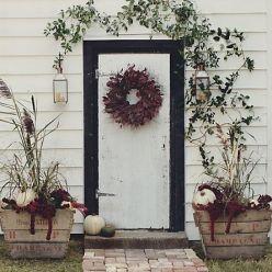 wreath on door, winter arrangement